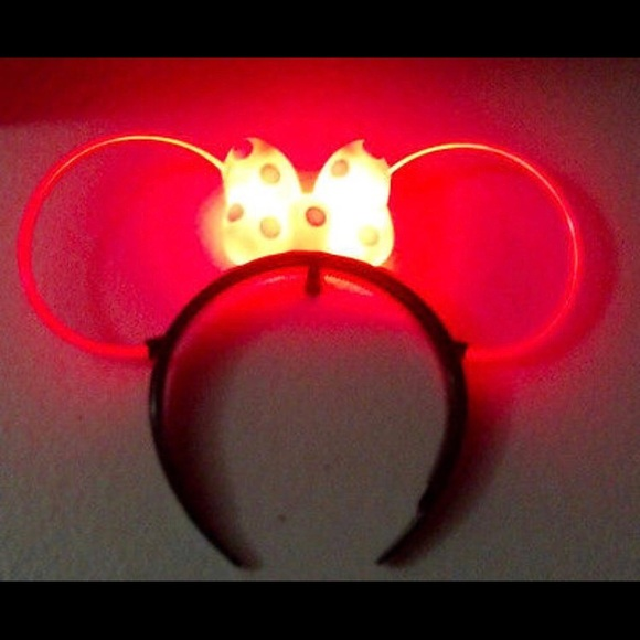 Disney Accessories Nwt Minnie Mouse Light Up Ears In Red Poshmark